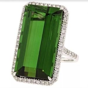 .925 Sterling Silver Emerald Fashion Ring